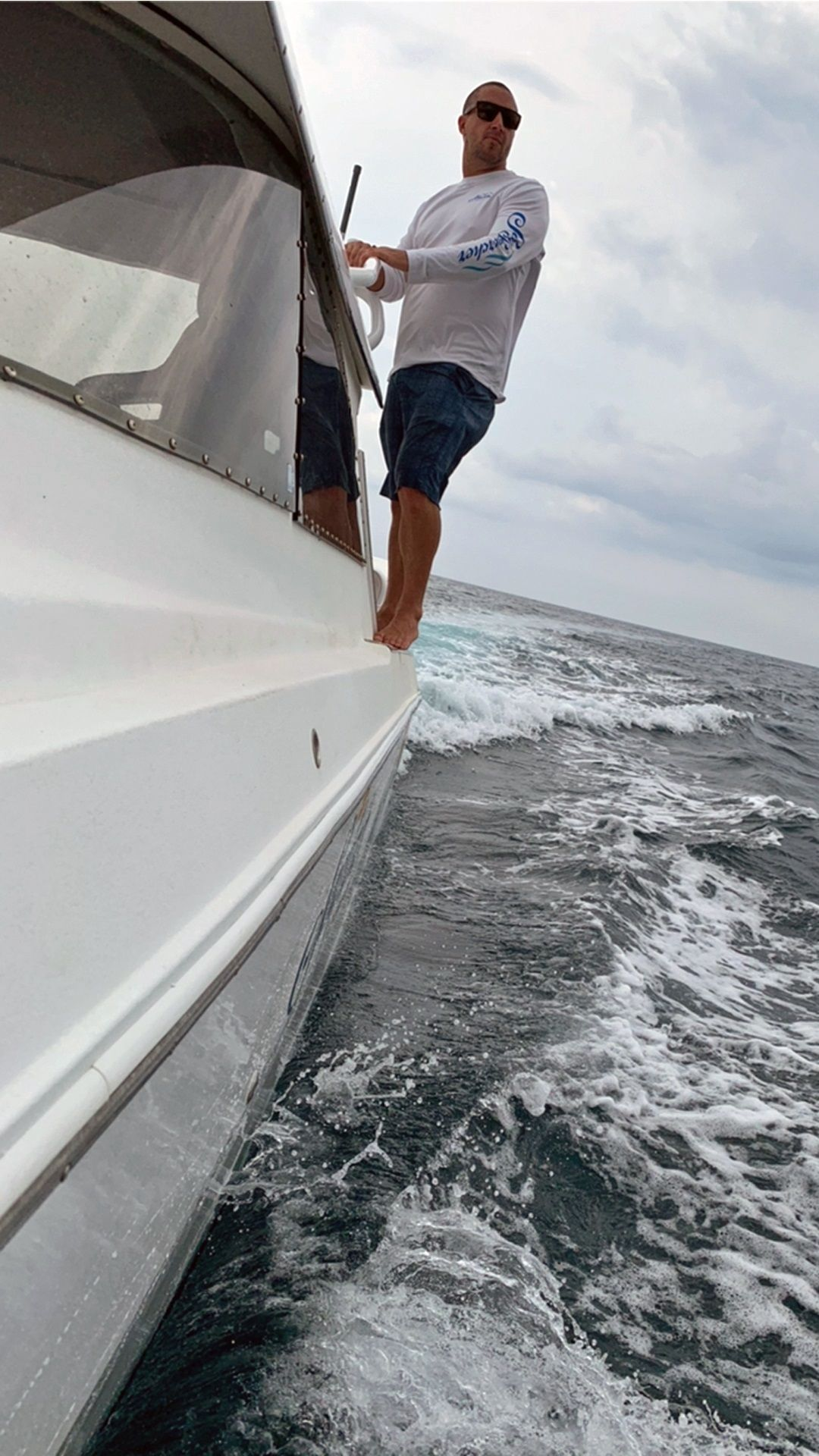 Seafarer-Exploration-The-Good-Fortune-Captain-checking-out-the-surface-conditions